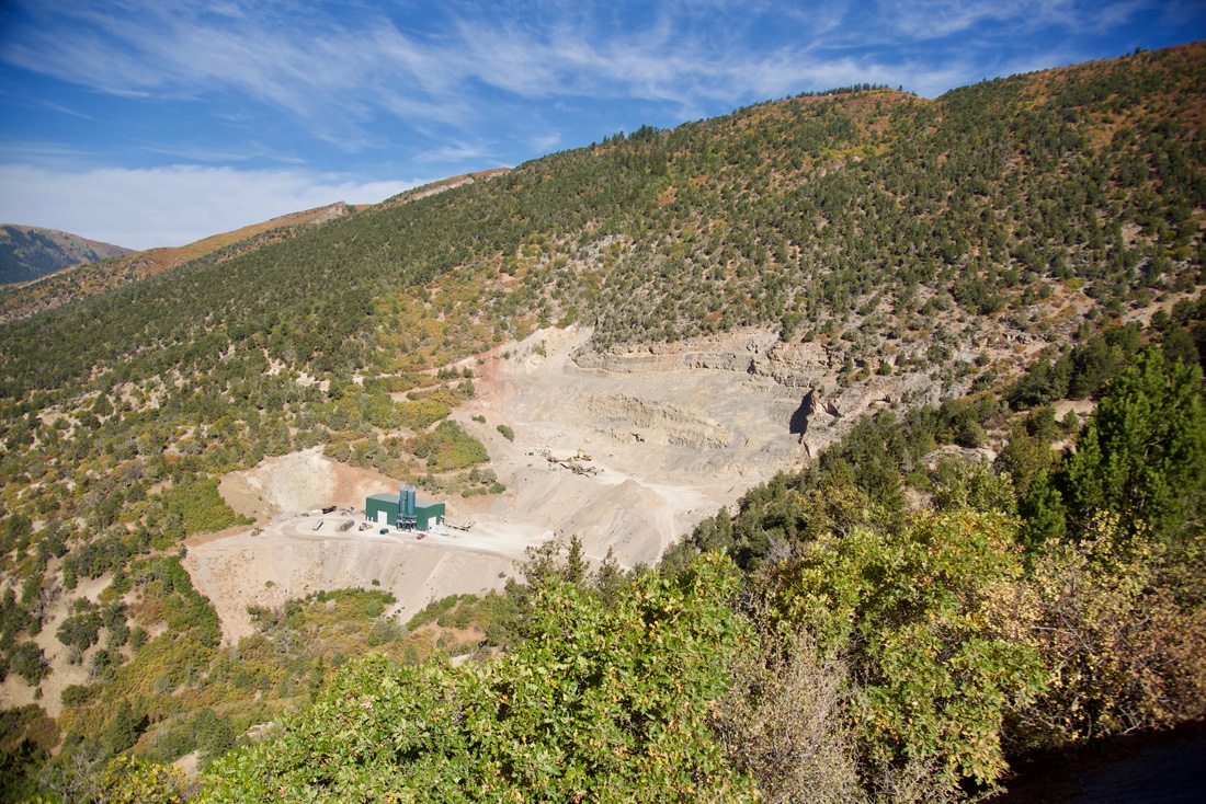 photo of the Mid-Continent limestone quarry above Glenwood Springs, Colorado